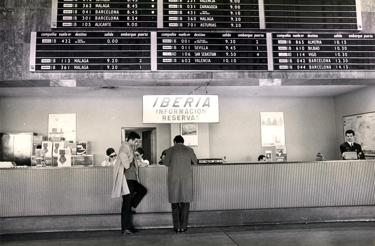 Foto del mostrador de Iberia en el aeropuerto de Madrid-barajas