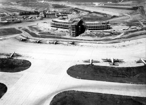Foto del Aeropuerto de Madrid-Barajas nueva terminal T2 en obras 1954