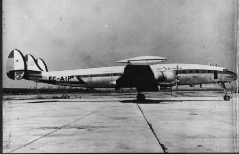 "Foto del Lockheed L-1049G Super Constellation de Iberia, la ""PInta"""