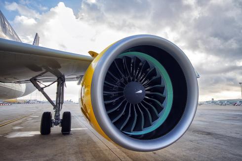 Detalle del motor del avión
